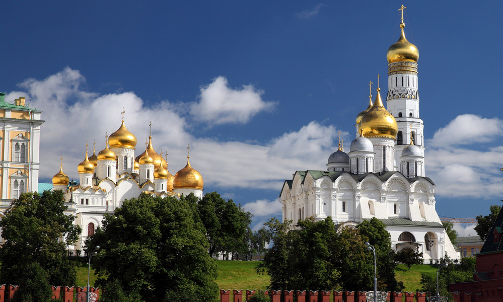Transfer to Moscow. Moscow Kremlin and Kremlin Cathedrals.